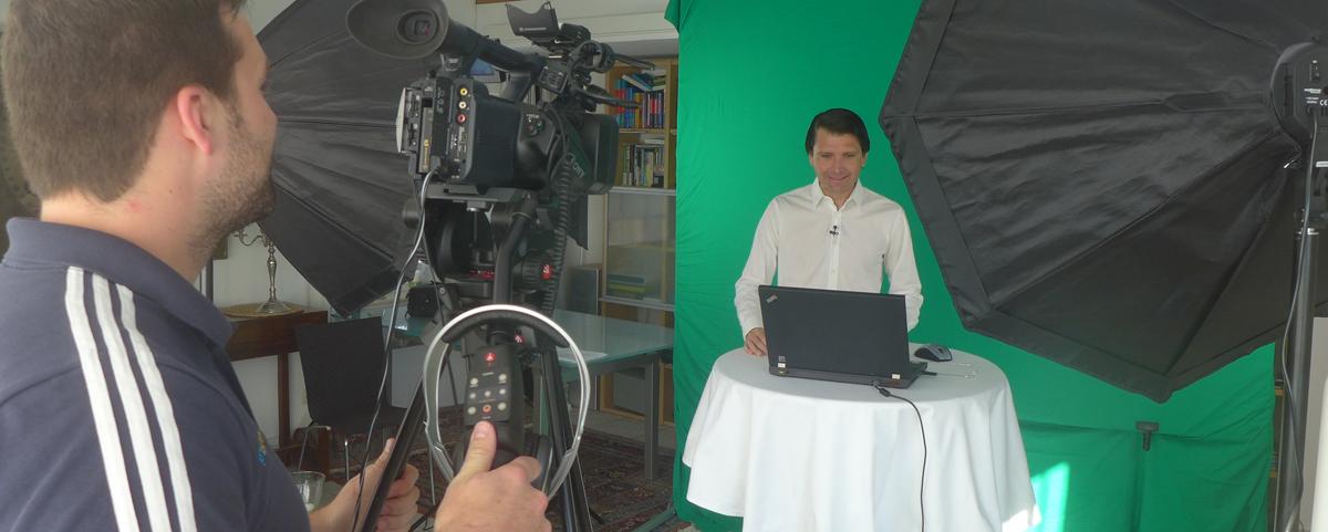 Studio-Aufnahmen zur Fussball DVD mit Peter Hyballa