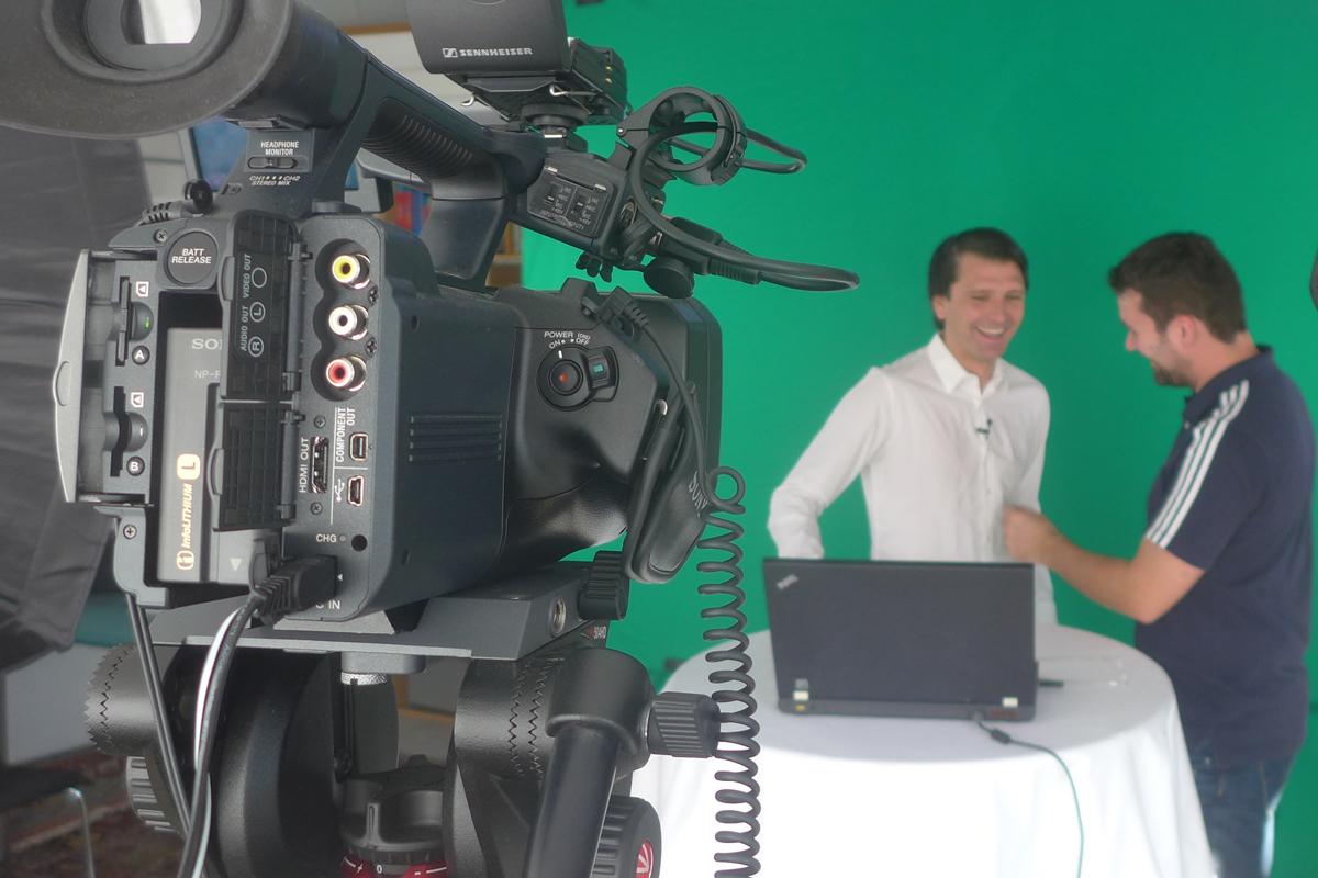Oliver Schreiner ist verantwortlich für Technik (Videoaufzeichnung und Ton)